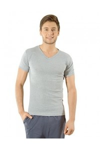 Мужская футболка серого цвета мысом