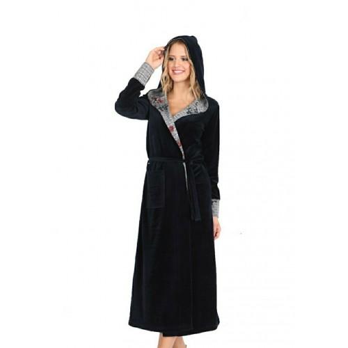 Велюровый халат длинный с капюшоном