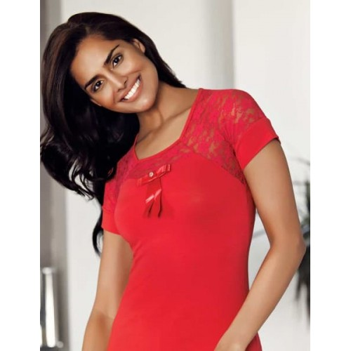 Модная женская футболка с рукавом