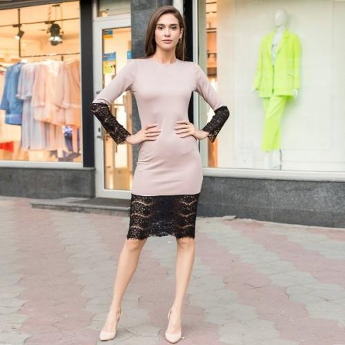 Платье облегающие с гипюром 10413