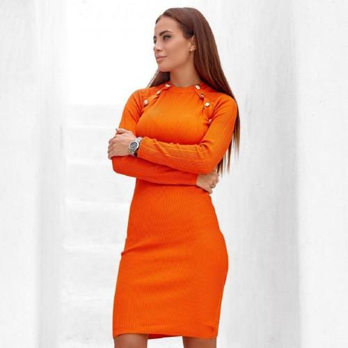 Яркое облегающее платье 2022